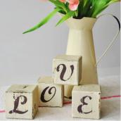 Cubes bois shabby rétro LOVE