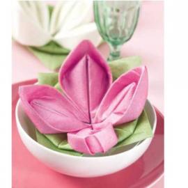 decoration de table serviettes intiss origami fleur blanche. Black Bedroom Furniture Sets. Home Design Ideas