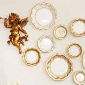Assiettes gâteaux jolie table gold