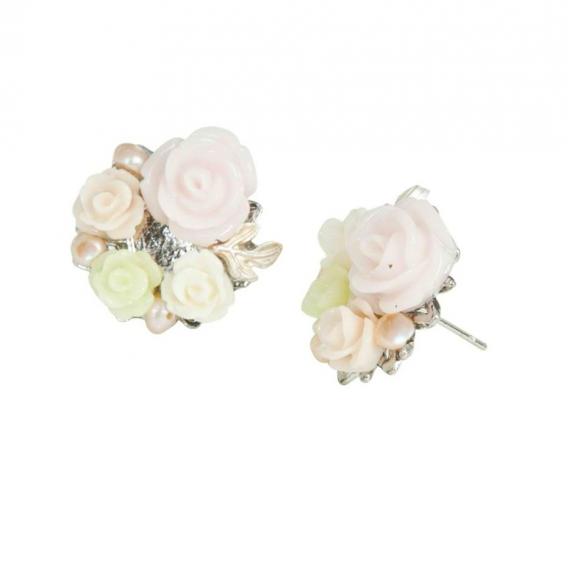 Boucles d'oreilles roses et perles