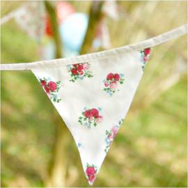 Guirlande de fanions tissu patch fleurettes
