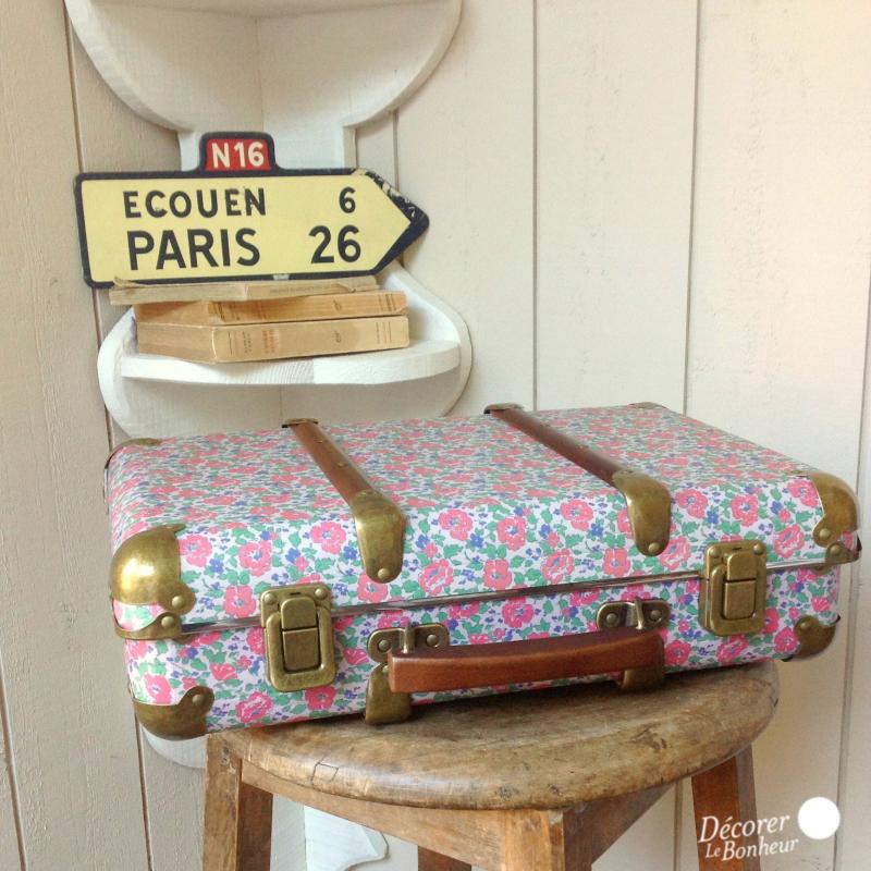 accessoire valise vintage poppy liberty. Black Bedroom Furniture Sets. Home Design Ideas