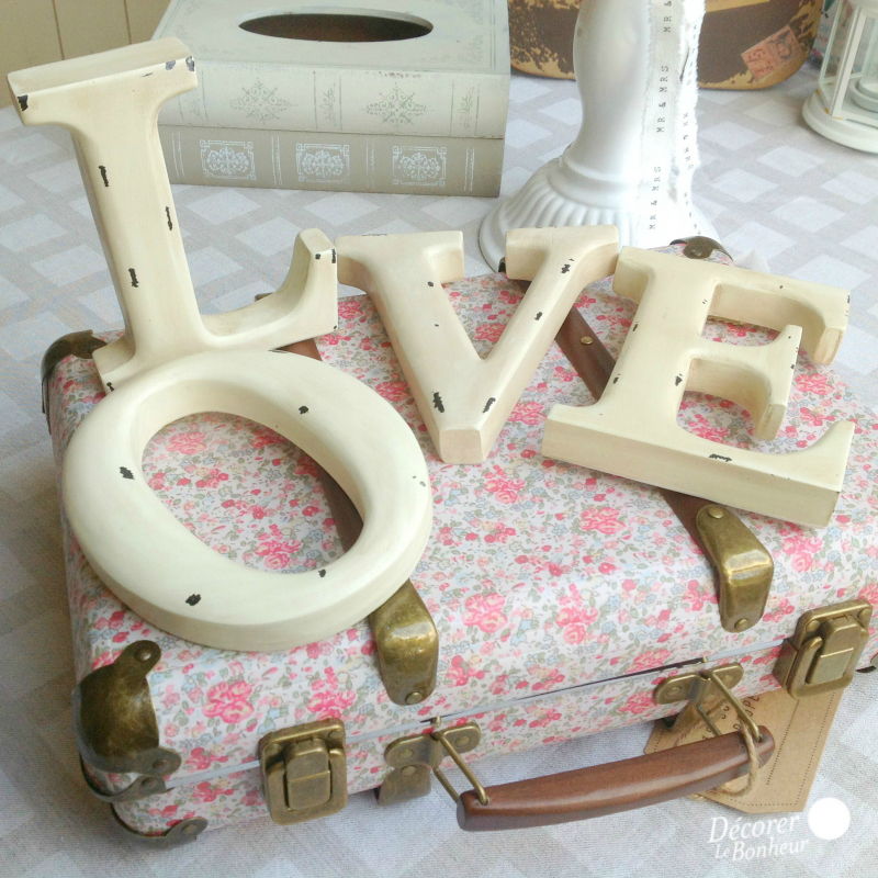 decoration salle mariage lettres love patine shabby chic. Black Bedroom Furniture Sets. Home Design Ideas