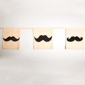 Guirlande de fanions rétro fashion moustaches