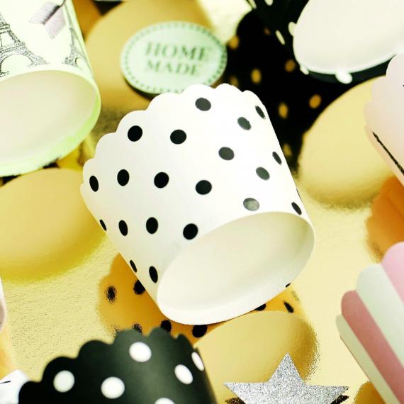 Caissettes cupcake pois noirs - Lot de 24