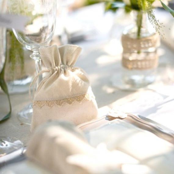 > Ambiances > Decoration mariage Rétro > Pochons lin et dentelle ...