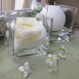 Vase PM verre carré - Hauteur 8, Largeur 8