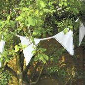 Guirlande tissu shabby chic fanions dentelle blanche - 11 mètres