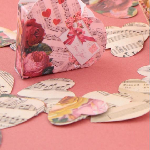Confettis coeur romance rétro