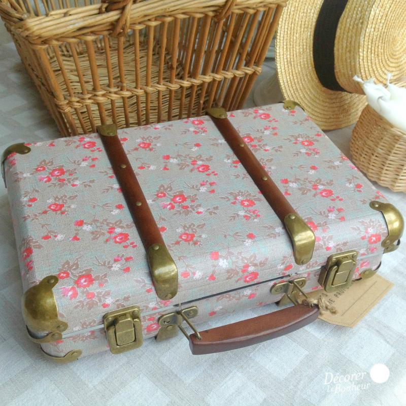 accessoire valise vintage flower grey. Black Bedroom Furniture Sets. Home Design Ideas