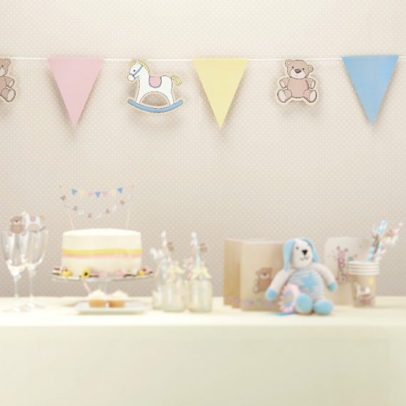 Guirlande pastel baby nursery