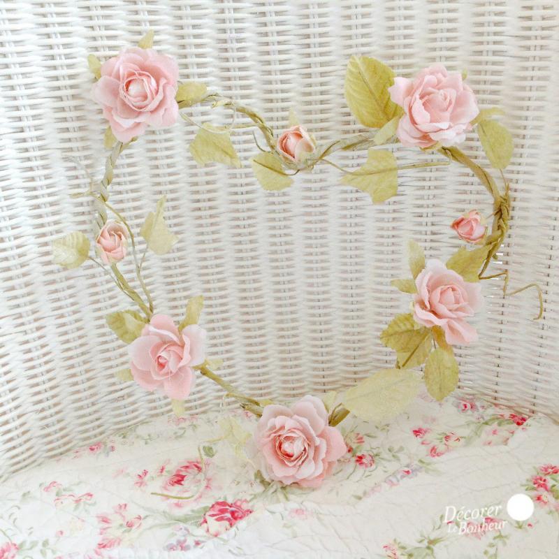 decoration de salle coeur shabby chic de roses tendres. Black Bedroom Furniture Sets. Home Design Ideas