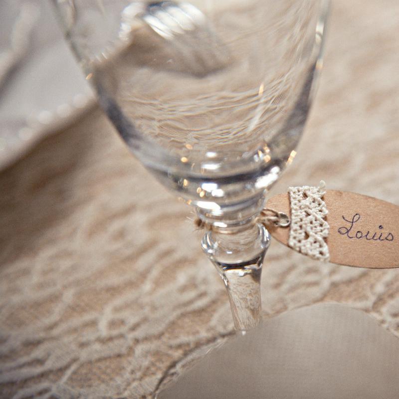 decoration table mariage vintage chemin de table dentelle ivoire. Black Bedroom Furniture Sets. Home Design Ideas