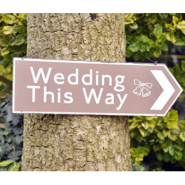 Pancarte métal wedding this way