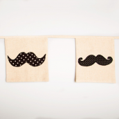 Guirlande de fanions rétro fashion moustaches