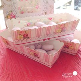 Mini moules gâteaux, étiquettes et ruban pâtisserie jolie