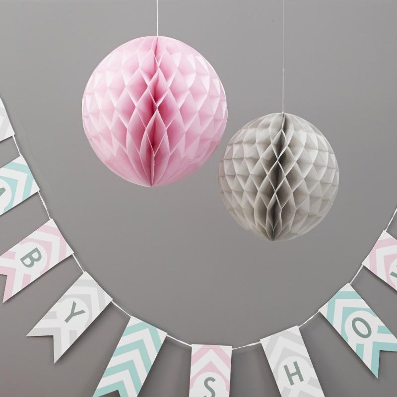decoration de salle boules papier trio gris et rose