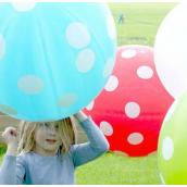 Ballon géant bleu pois blancs