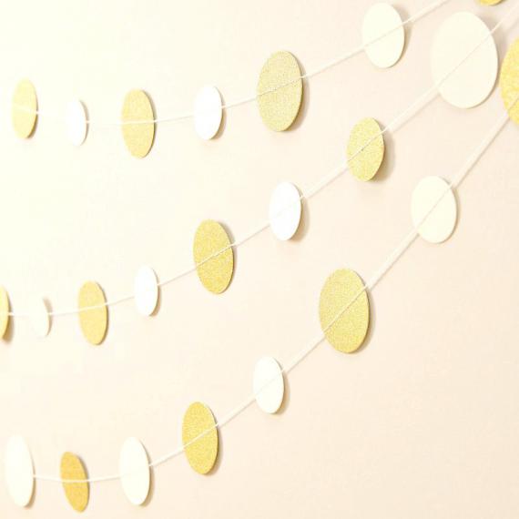 Guirlande de confettis glam crème et or