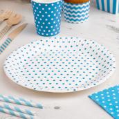 Assiettes blanches pois bleus