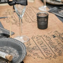 Chemin de table jute design vintage