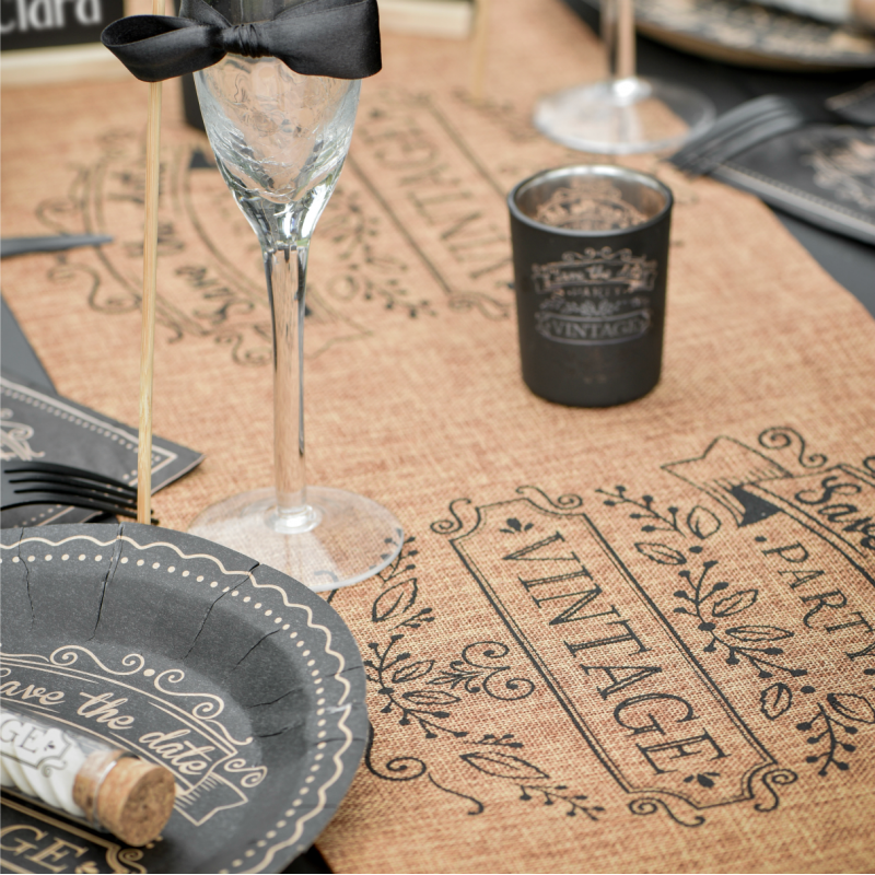 d coration mariage vintage chemin de table jute design vintage. Black Bedroom Furniture Sets. Home Design Ideas