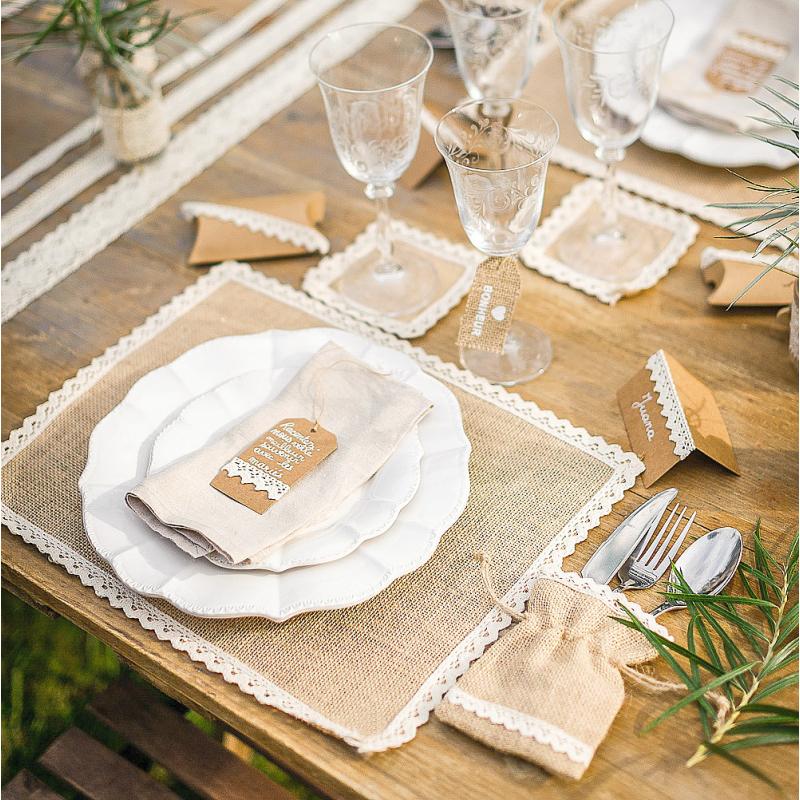 d coration mariage vintage centre de table jute et dentelle carr. Black Bedroom Furniture Sets. Home Design Ideas