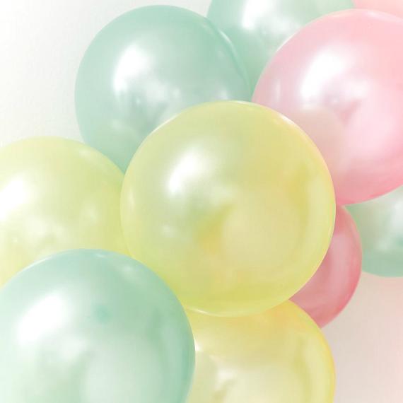 Ballons nacrés pastel