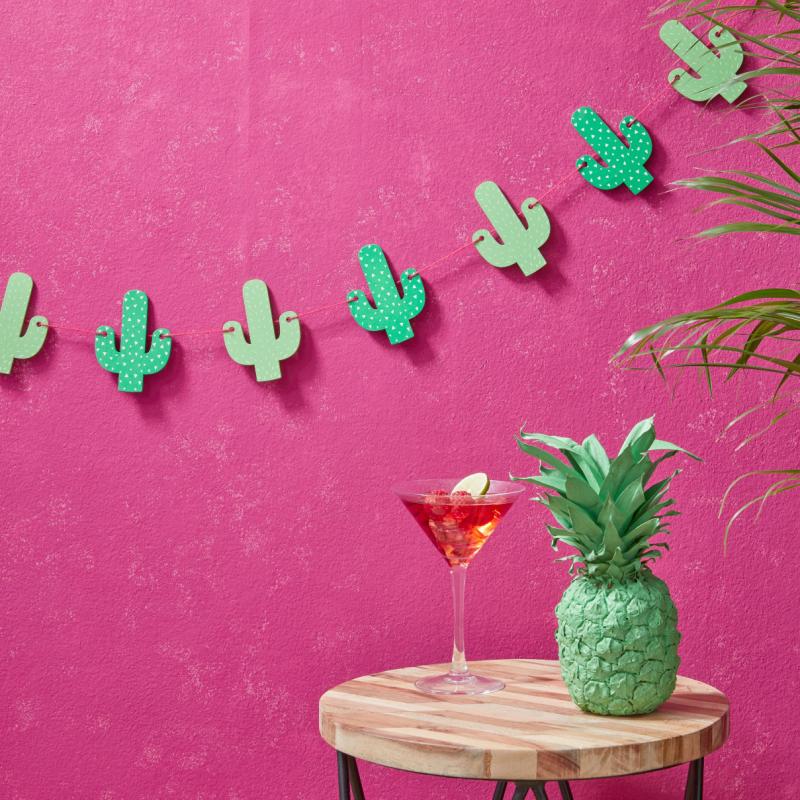 Decoration de salle guirlande bois cactus for Guirlande bois deco