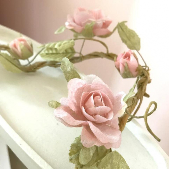 Guirlande shabby chic de roses tendres