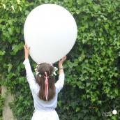 Ballons blancs géants